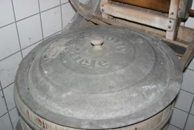Foto 2 Liebhaber alter Geräte Miele Waschmaschine