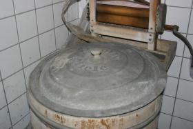Foto 3 Liebhaber alter Geräte Miele Waschmaschine