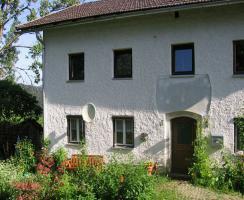Foto 2 Liebhaberobjekt! Einzigartige Alleinlage im bayrischen Wald  - Teilrenoviertes Bauernhaus - wundervolle Aussichtslage