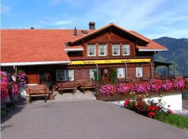 Liegenschaft an excellenter Panorama Lage im Berner Oberland