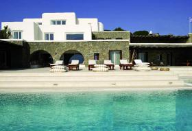 Looking for the exceptional? Enjoy this villa on the isl. of Myconos/Greece
