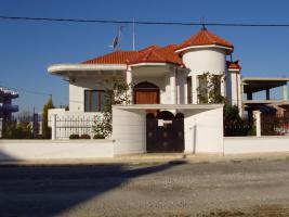 Luxurioeses Familienhaus gebaut im Grundstuck
