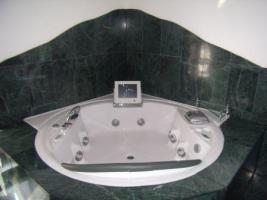 Luxus Whirlpool