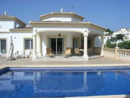 Luxusvilla mit einem beheiztem Pool