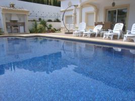 Foto 3 Luxusvilla mit einem beheiztem Pool