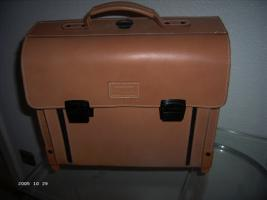 Foto 3 MCNeill Schultasche Bürotasche