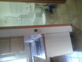 Foto 5 M�BLIERTES 1-ZIMMER K�CHE UND WC IN SELB