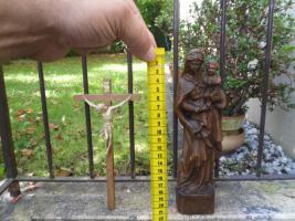 Madonna, Kruzifix und Pferdekummert