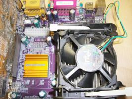 Foto 4 Mainboard EliteGroup P4S5A + Intel Pentium 4 1,60 Ghz