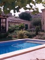 Foto 3 Mallorca Gewerbe Immobilien: 650 qm Dorfhaus / Anwesen mit 3 Häusern und Pool in Petra