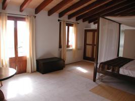 Foto 5 Mallorca Gewerbe Immobilien: 650 qm Dorfhaus / Anwesen mit 3 Häusern und Pool in Petra