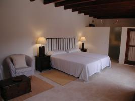 Foto 6 Mallorca Gewerbe Immobilien: 650 qm Dorfhaus / Anwesen mit 3 Häusern und Pool in Petra