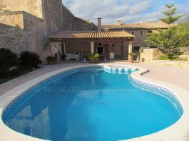 Foto 4 Mallorca Immobilien Langzeitmiete: Antike renovierte Naturstein Pool Finca mit 5 Schlafzimmern in Santanyi