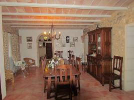 Foto 6 Mallorca Immobilien Langzeitmiete: Antike renovierte Naturstein Pool Finca mit 5 Schlafzimmern in Santanyi