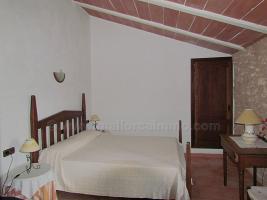 Foto 9 Mallorca Immobilien Langzeitmiete: Antike renovierte Naturstein Pool Finca mit 5 Schlafzimmern in Santanyi