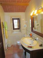 Foto 11 Mallorca Immobilien Langzeitmiete: Antike renovierte Naturstein Pool Finca mit 5 Schlafzimmern in Santanyi