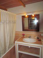 Foto 12 Mallorca Immobilien Langzeitmiete: Antike renovierte Naturstein Pool Finca mit 5 Schlafzimmern in Santanyi