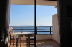 Mallorca Immobilien Langzeitmiete: Gepflegte Wohnung in erster Meereslinie mit privater Dachterrasse in Colonia Sant Jordi