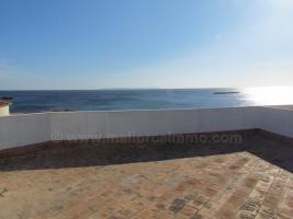 Foto 3 Mallorca Immobilien Langzeitmiete: Gepflegte Wohnung in erster Meereslinie mit privater Dachterrasse in Colonia Sant Jordi