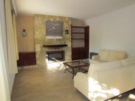 Foto 2 Mallorca Immobilien Langzeitmiete: Luxus Chalet mit Pool auf großem Grundstück in zentraler ruhiger Lage von Colonia Sant Jordi