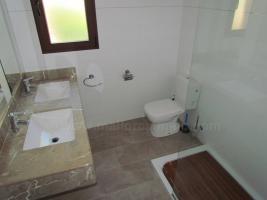 Foto 5 Mallorca Immobilien Langzeitmiete: Luxus Chalet mit Pool auf großem Grundstück in zentraler ruhiger Lage von Colonia Sant Jordi