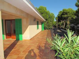 Foto 8 Mallorca Immobilien Langzeitmiete: Luxus Chalet mit Pool auf großem Grundstück in zentraler ruhiger Lage von Colonia Sant Jordi