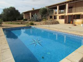 Foto 2 Mallorca Immobilien Langzeitmiete: Meerblick Pool Finca mit 2 Gästeapartments bei Porto Colom