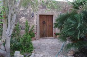 Mallorca Immobilien Langzeitmiete: Romantische renovierte antike Mühle mit kleiner Casita und Meerblick in Ses Salines