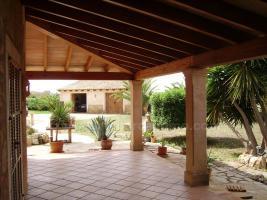 Foto 3 Mallorca Immobilien Verkauf: Kleine charmante Natursteinfinca mit Nebengebäude und Gästeapartment zwischen Campos und Colonia Sant Jordi