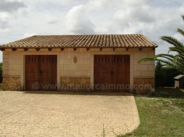 Foto 4 Mallorca Immobilien Verkauf: Kleine charmante Natursteinfinca mit Nebengebäude und Gästeapartment zwischen Campos und Colonia Sant Jordi