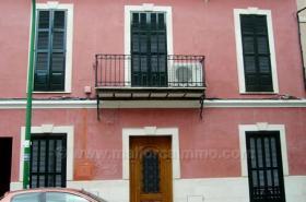 Mallorca Immobilien Verkauf: Renoviertes Stadthaus mit 2 Wohnungen und Ausbaureserve im Zentrum von Palma zum Verkauf