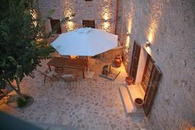 Foto 3 Mallorca Immobilien Verkauf: Romantische renovierte Naturstein Finca aus dem 13. Jahrhundert bei Sineu zum Verkauf