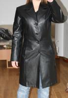 Mantel aus Kunstleder