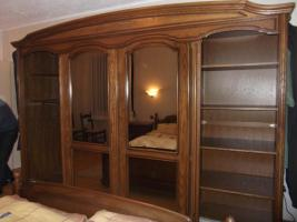 Foto 3 Massiv Schlafzimmerschrank mit Kommode