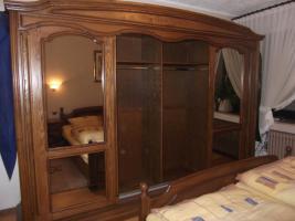Foto 5 Massiv Schlafzimmerschrank mit Kommode