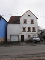 Massives, freistehendes Haus in 66578 Stennweiler, für Handwerker