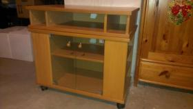 Foto 6 Massivholz-Möbel Erle und Buche in gutem Zustand