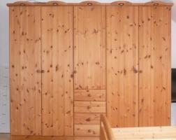 Massivholz-Schlafzimmer: 5trg. Schrank, Bett, 2x Nachtkasten