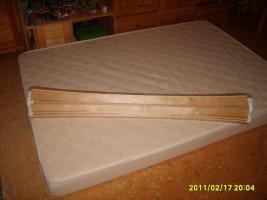 Matratze und Rollrost 200x140
