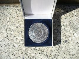 Foto 2 Medaille 1946 -1976 Grenztruppen der DDR
