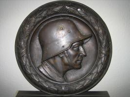 Messingtafel mit Soldat 1. Weltkrieg