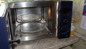 Mikrowelle mit Grill von Privileg