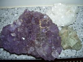 Mineraliensammlung abzugeben, ca. 2,3kg.!!!!!!!