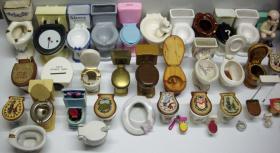 Foto 2 Mini-Toiletten-Sammlung