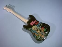 Miniaturgitarre – Fender Iron Maiden Killers