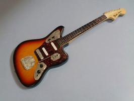 Miniaturgitarre – Fender Jaguar Sunburst