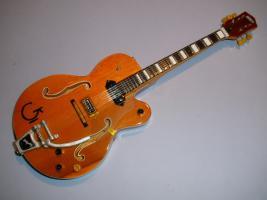 Miniaturgitarre – Gretsch 6120 Chet Atkins