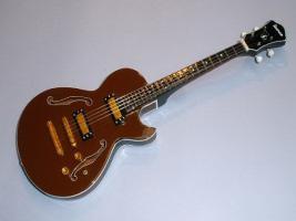 Miniaturgitarre – Ibanez AGB200 TBR Bass