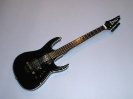 Miniaturgitarre – Ibanez MTM2