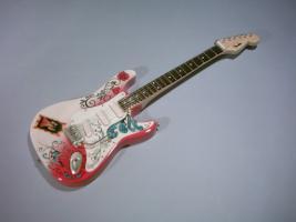 Miniaturgitarre – Jimmy Hendrix Monterey Pop Stratocaster